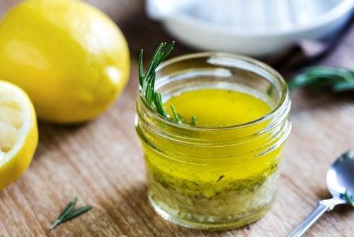 Лимон и оливковое масло отлично очищают организм