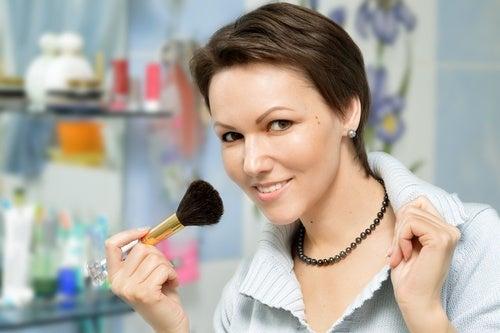При выборе макияжа учитывай свой тип кожи