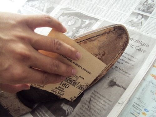 Отшлифуй скользкую обувь наждачной бумагой