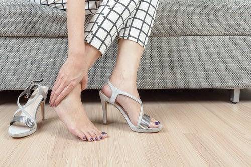 Обувь и лимонная кожура