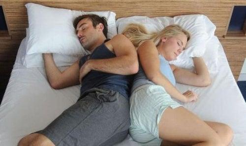 Позы для сна с партнером