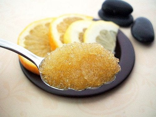 Пилинг сахаром и лимоном