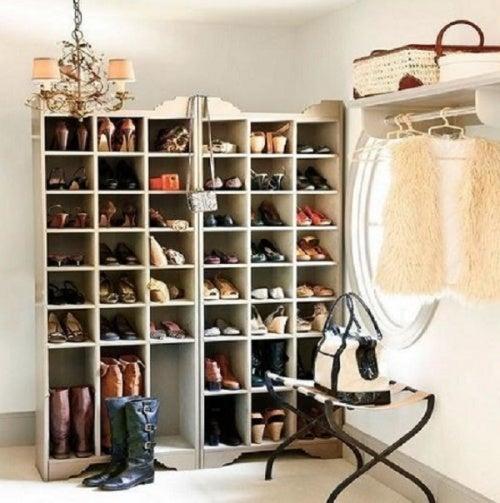 Шкаф и обувь