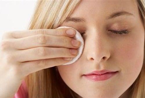 Снятие макияжа и гигиеническая помада