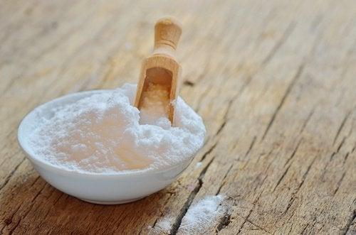 Сода очистит кровать от пылевых клещей