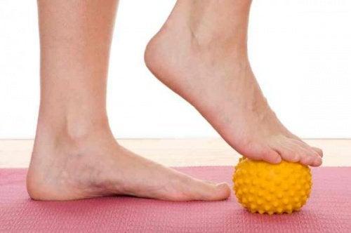 Подошвенный фасциит легко лечится физическими упражнениями