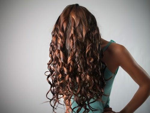 Волосы и гигиеническая помада