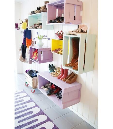 Ящики помогут хранить обувь