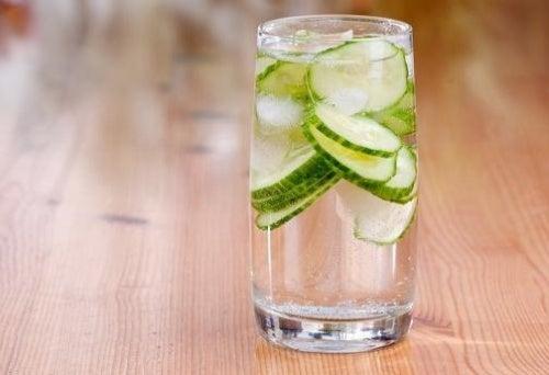 Огуречная вода