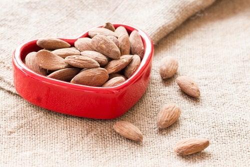 Орехи лучшают состояние сердца
