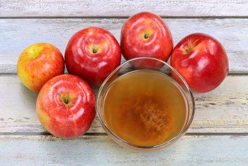 Яблочный уксус отбелит зубы