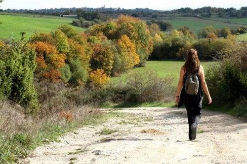 Долгие прогулки помогают при депрессии: вы это знали?