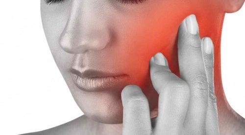 Болит нижняя или верхняя челюсть: причины и лечение