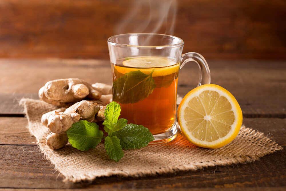 Имбирный напиток с мятой