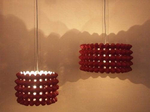 Коробки из-под яиц и декоративные светильники