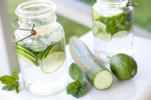 9 причин ежедневно пить огуречную воду