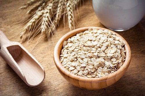 Овсянка снижает уровень холестерина в организме и защищает артерии
