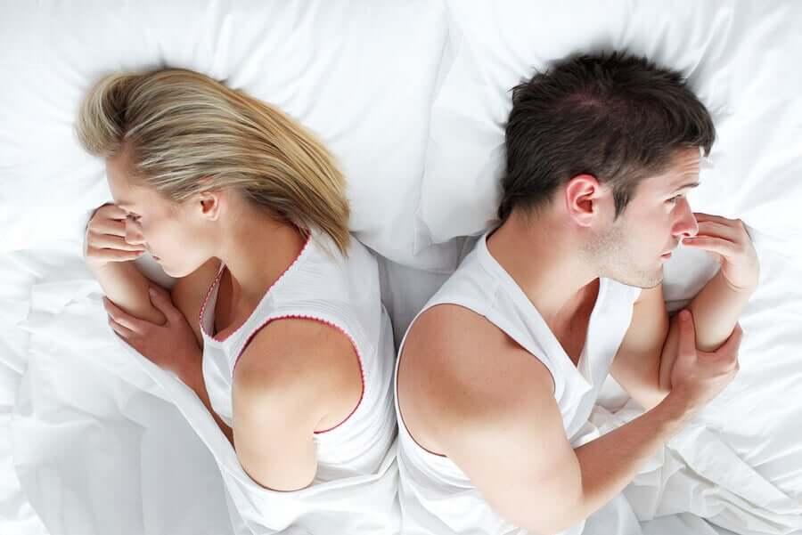 Пара переживает разлад