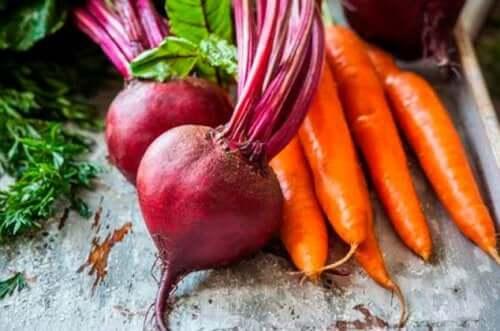 Смузи из свёклы, моркови и апельсина поможет снять воспаление печени