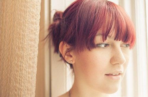 Прическа с заколотыми волосами