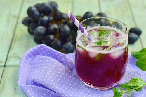 Виноград поможет убрать жир на животе
