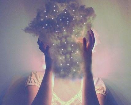 Женщина облако и истощение