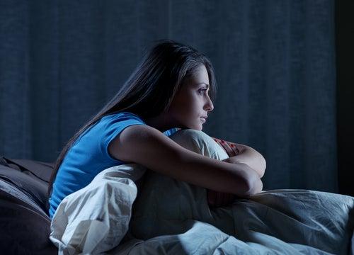 Повышенная потливость ночью из-за бессонницы