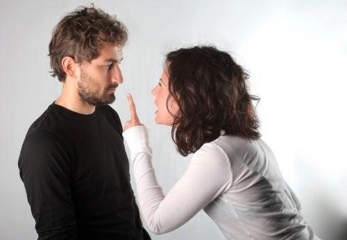 Ссориться по пустякам и развод