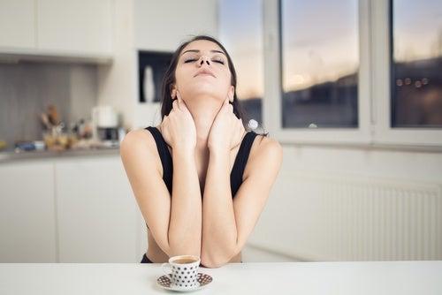 Упражнение для шеи и боль в шее