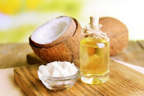 Кокосовое масло чтобы придать приятный аромат волосам