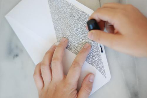 Лак для ногтей и конверты
