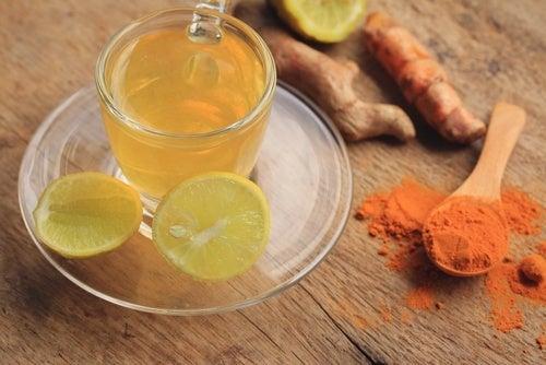 Лимонад и напиток из куркумы