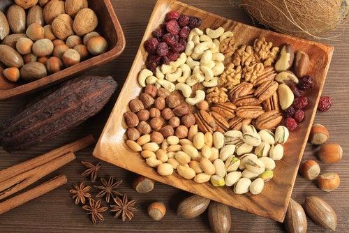 Натуральные слабительные средства: орехи