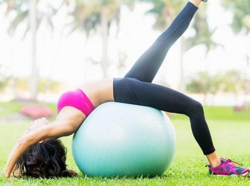 Прогиб спины поможет победить нервное напряжение