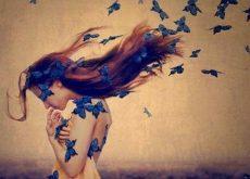 Женщина с бабочками в волосах и уверенность в себе