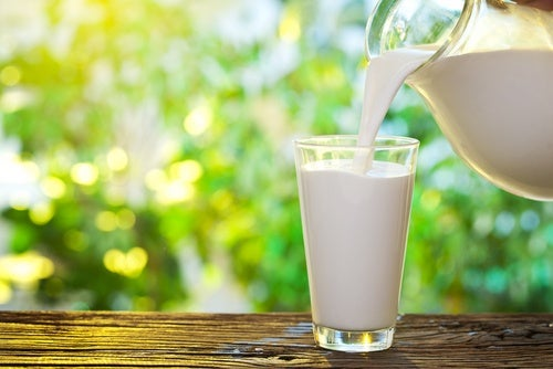 Молоко чтобы контролировать гормоны