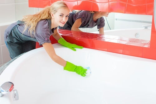 Использовать кока-колу чтобы очистить ванну