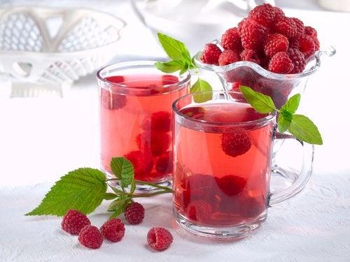 Малина и чай