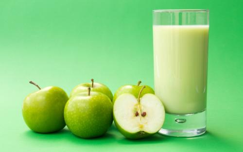Смузи зеленое яблоко