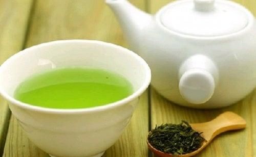 Зеленый чай и ресницы
