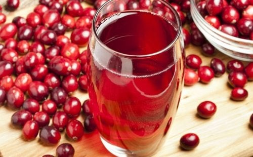 Клюквенный сок полезен для профилактики вагинальных инфекций