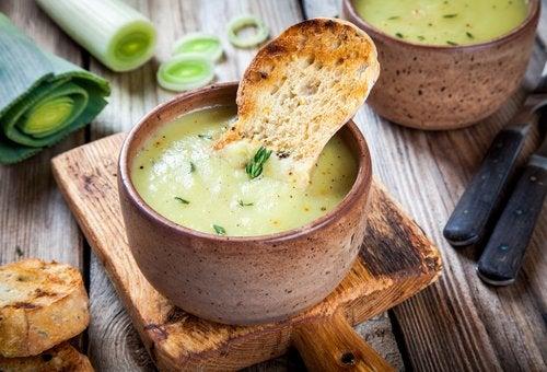 Лук-порей и суп