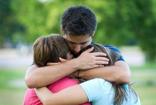 Проблемы с детьми разрушают семейные отношения