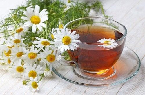 Ромашковый чай поможет устранить шум в ушах