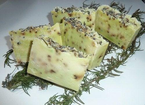 Розмариновое мыло для лечения воспалённых суставов