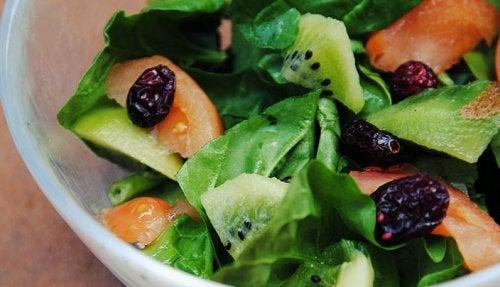 Салат на ужин и киви
