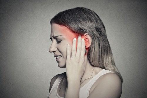 Шум в ушах: как справиться с ним при помощи питания