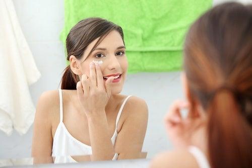 Вазелин и снятие макияжа