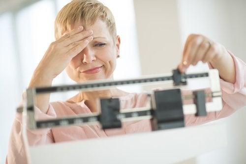 Нарушения работы щитовидной железы: колебания веса