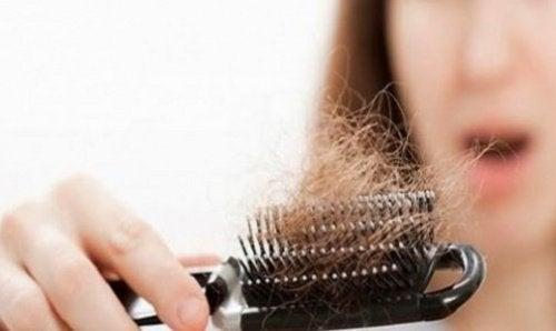 Для того чтобы ваши волосы росли быстрее, защищайте их от воздействия тепла